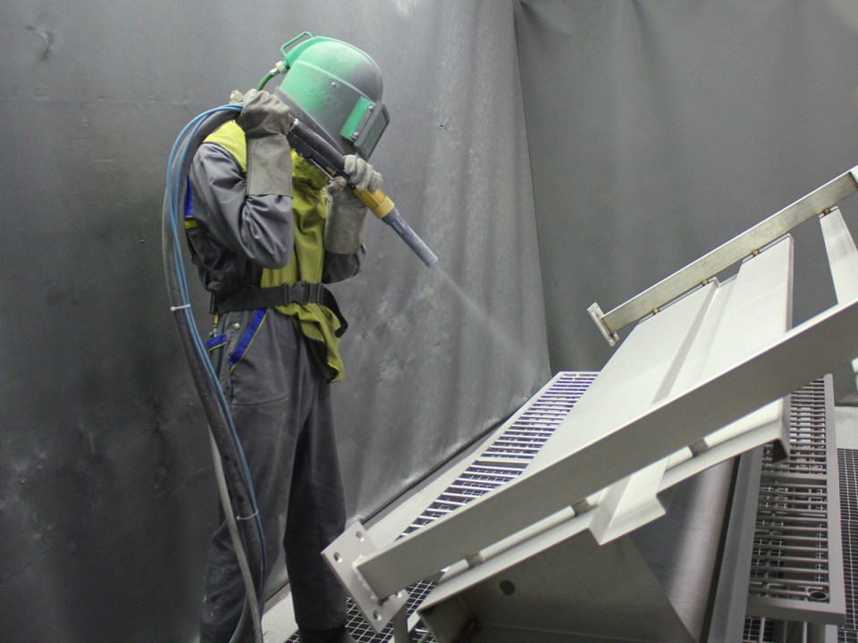 Grit Blasting and Painting